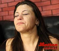 Latina Throats facial